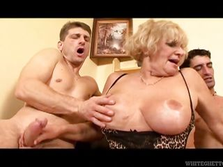 секс домашнее порно с пожилыми женщинами